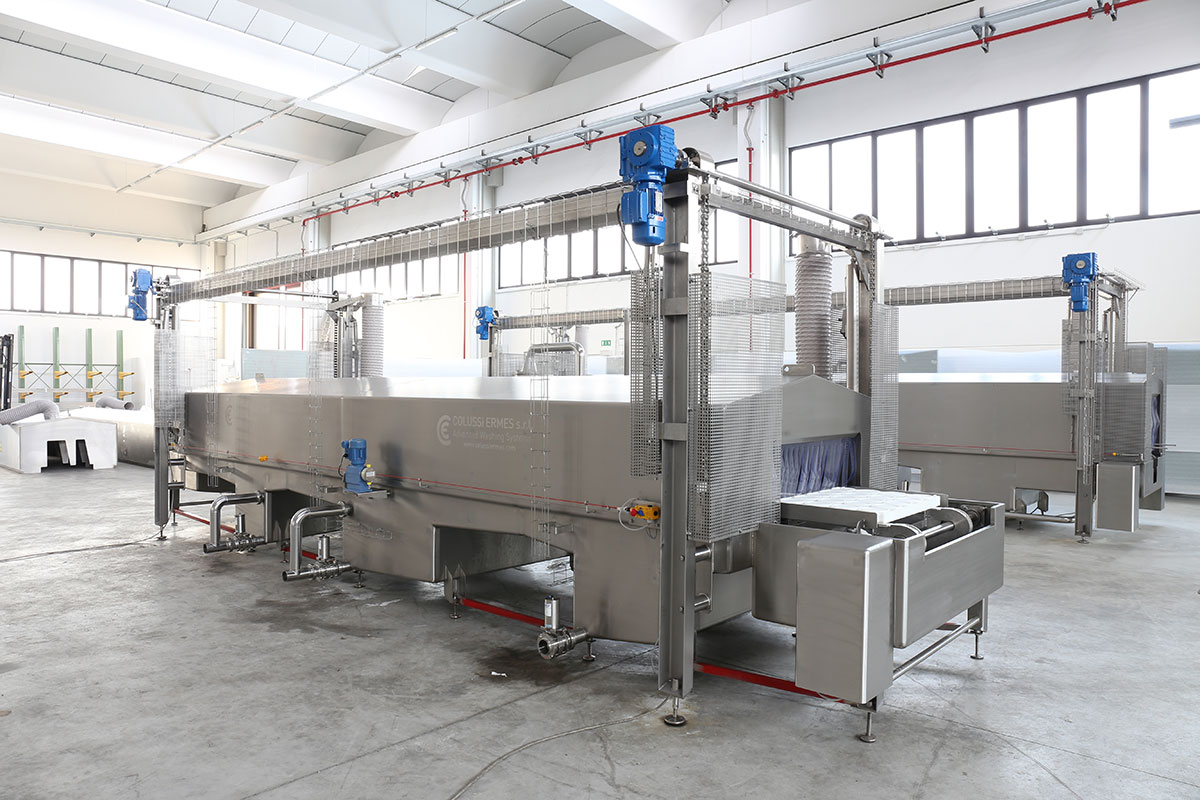 Semi-hard cheese production Tunnel washing machine